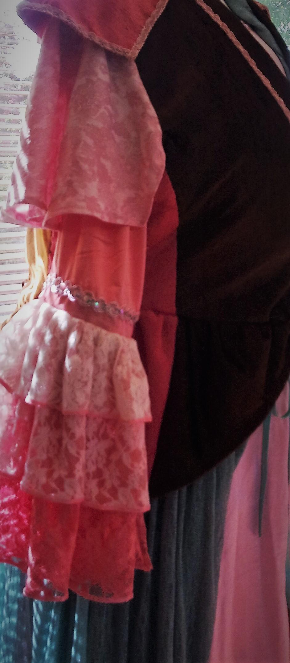 detail jurk Diamandia